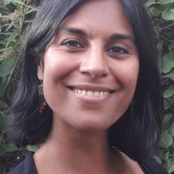 Sara-Shanti  Tamby
