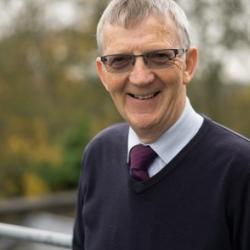Dr Rod  Lynch